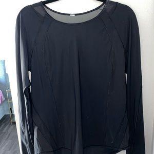 Women's lululemon mesh back long sleeve tee size 8